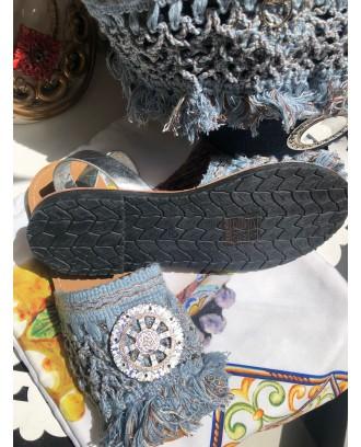 Sandalo argento in ecopelle con suola in gomma, frange